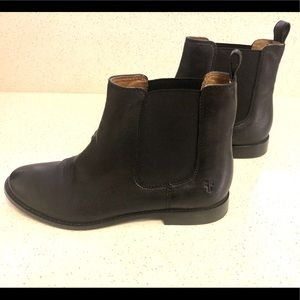 Frye Anna Chelsea boot, black leather, size 7